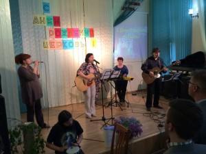 Прославление ведет пастор Ольга Левченко