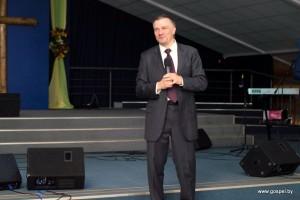 Ректор Библейского колледжа Денис Правозоров