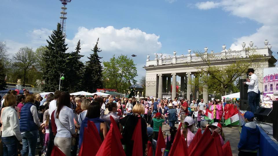 С каждым часом все больше и больше минчан и гостей столицы  участвовало в программе.